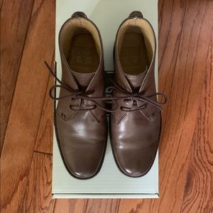 FRYE Phillip Chukka Boot (like new!)